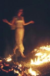 Muziek & Vuurlopen - Girl On Fire